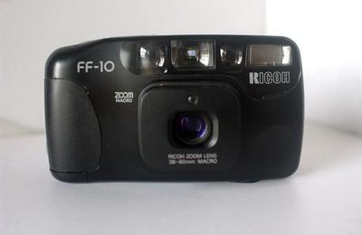 理光 FF--10 自动胶片照相机,(38--60变焦)【88元】