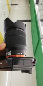 出一套包装齐全的索尼 ILCE-7R加28-70