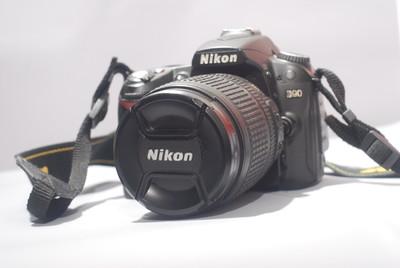 尼康 D90  18-105VR