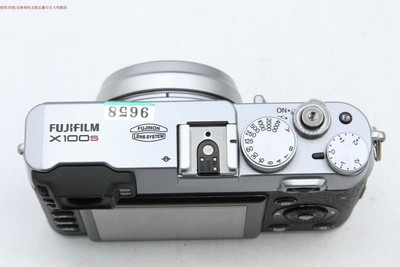 95成新 Fujifilm/富士 x100s 两块电池送皮套 可交换 编号9658