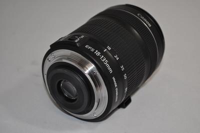佳能 EF-S 18-135mm f/3.5-5.6 IS STM