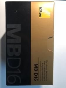 尼康 MB-D16