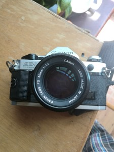 佳能 AE-1 P配佳能FD50mm/F1.4和腾龙28-80 镜头
