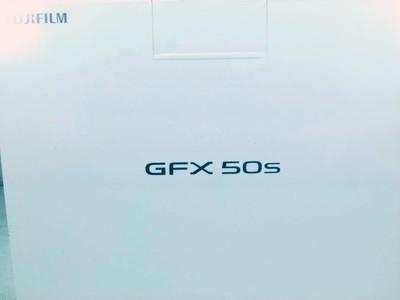 华瑞摄影器材-包装齐全的富士GFX50S