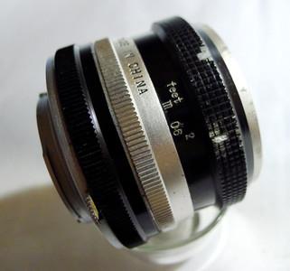 1个珠江MD口58mmF2标准镜头(与海鸥,美能达卡口一致,可通用)