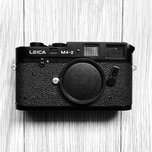 Leica M4-2 德国带回来,带原厂包装 95成新