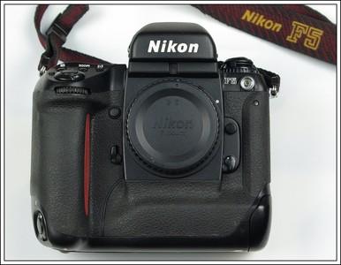 Nikon F5 专业胶片单反相机