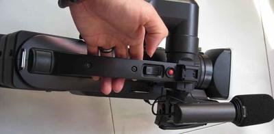 Panasonic松下HDC-MDH1GK专业肩扛式防抖高清数码摄像机婚庆3488