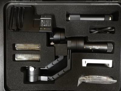 全新智云(zhi yun)云鹤微 单单反三轴相机稳定器