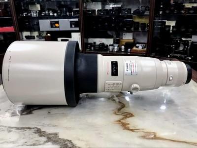 带箱子的佳能 EF 800mm f/5.6L IS USM
