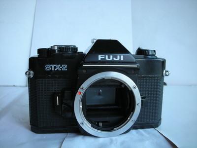 较新富士STX--2单反相机,全机械快门,收藏使用