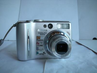 很新尼康 S5200数码相机,1.8大CCD,收藏使用