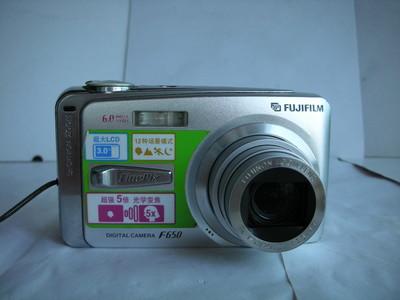 很新富士 F650数码相机,3吋屏幕