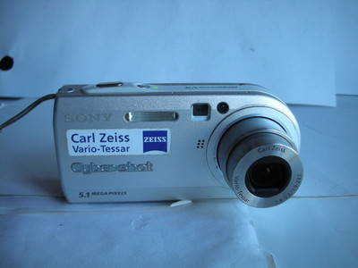 很新索尼 P100经典相机,1.8大CCD,收藏使用