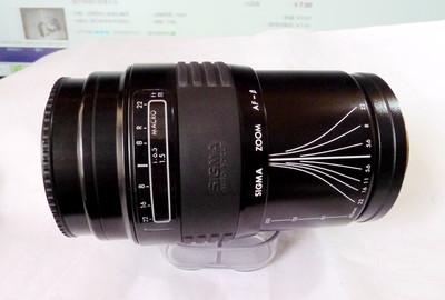 一个成色不错的美能达AF口(SIGMA牌)60-200大范围变焦胶片镜头