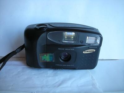 较新三星FF222袖珍相机