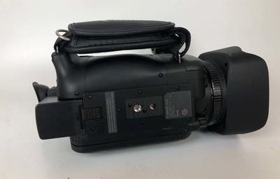 佳能XA30  出两台成色新净的佳能XA30摄像机,带话筒支架!