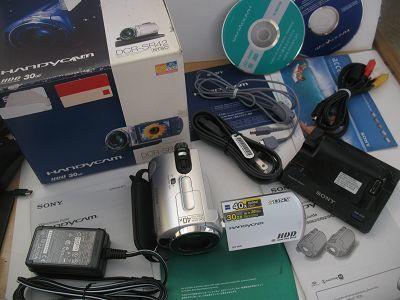 98新 索尼SR42 30G硬盘摄像机 蔡司镜头 包装 底座全 299元