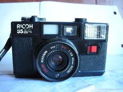 很新理光35EF机械快门旁轴相机,收藏使用,送皮套