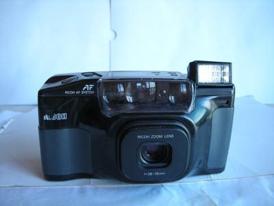 较新理光900D自动对焦便捷相机