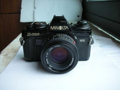较新美能达X700相机带50mmf1.7镜头,可换28--70镜头,收藏使用