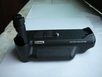 很新佳能BP300手柄电池盒,可配佳能EOS30,33,30V等相机