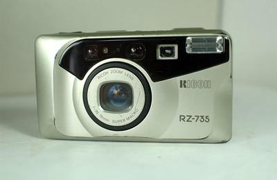 理光 RZ-735 自动胶片照相机(变焦:35--70mm)【88元】