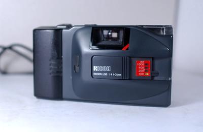 理光 YF-20D 自动胶片照相机【64元】