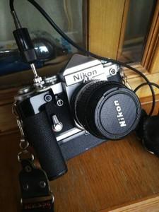 Nikon F2  带卷片器和镜头