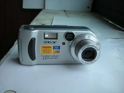 索尼 P71