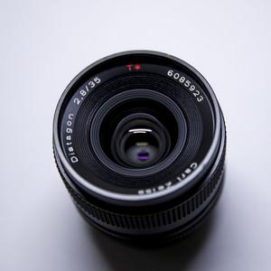 Carl Zeiss T* 35mm F2.8 AEJ