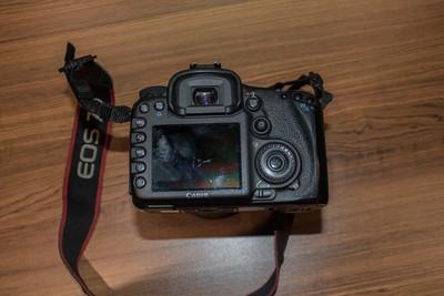 转让个人用的很少的佳能 7D加18135镜头一套