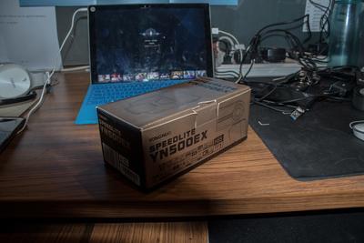 出一个买错了的永诺闪光灯,YN500,刚买了一个月,没用过。