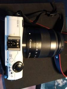 佳能 EOS M2+镜头18-55一充电器一电池,箱说全
