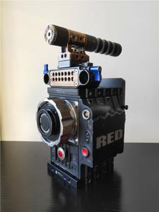 出二手 RED EPIC 5K电影机一台,成色如图,运行5733小时,
