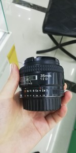 出一支成色不错的尼康 AF 35mm f/2D
