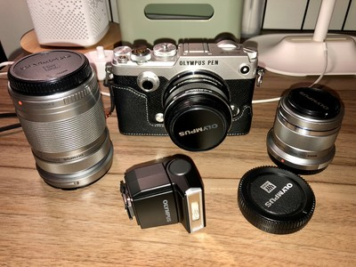 奥林巴斯 PEN-F 配17 1.8,45 1.8,40-150三个镜头 送一堆配件
