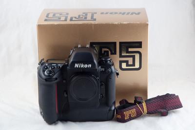 尼康F5带包装