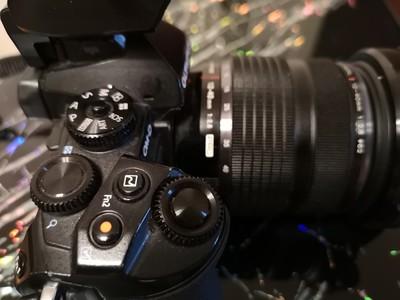 奥林巴斯 E-M1+12-40镜头一起出售