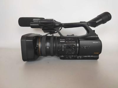 索尼 HVR-Z5C  出售一台索尼Z5C摄像机,成色新净!!