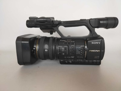 索尼 HXR-NX5C  出售一台索尼NX5C摄像机,成色很新,无拆修