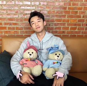 2018新款GOC IN C&Dueplay郑恺合作款兔子熊毛绒防爆热水袋