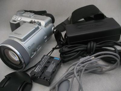 索尼F717 蔡斯镜头 红外夜视 2/3CCD F2.0大光圈 580元