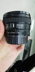 出一支成色非常好的尼康 AF 20mm f/2.8D