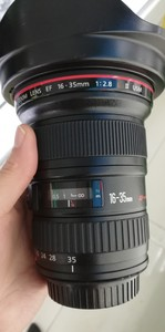 出一支成色非常新的佳能 EF 16-35mm f/2.8L II USM