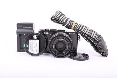 85新二手Sony索尼 RX1R 套机(35/2)数码相机 回收 010294京