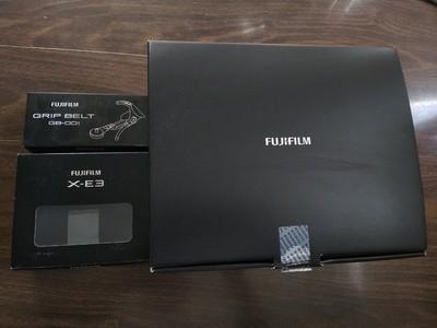 富士X-E3全套包装盒、原装闪灯、皮套、皮背带、说明书等