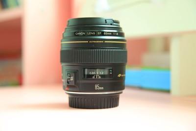 佳能 EF 85mm f/1.8 USM 镜头  430EXII  闪光灯