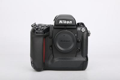 95新二手Nikon尼康 F5 单机 胶片相机 031345津