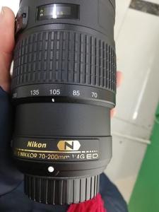 出一支成色特别新的尼康 AF-S 尼克尔 70-200mm f/4G ED VR